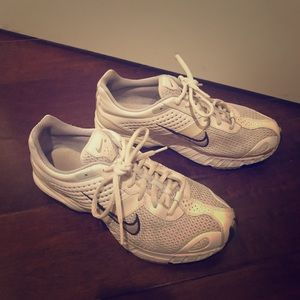 Nike air running shoes 7.5